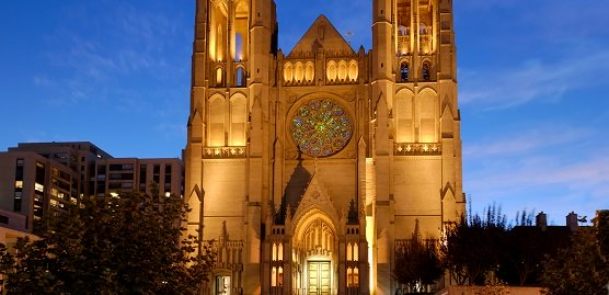 Nob Hill Attractions list showing grace cathedral